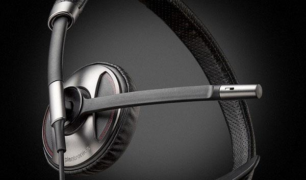 Plantronics unveils new Blacktop 500 noise canceling Bluetooth headset