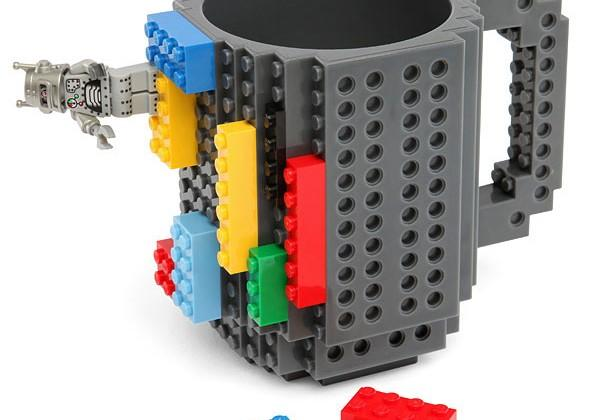 Build-On Brick Mug combines coffee and Lego