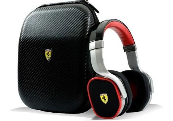 Logic3 Scuderia Ferrari R300 headphones debut