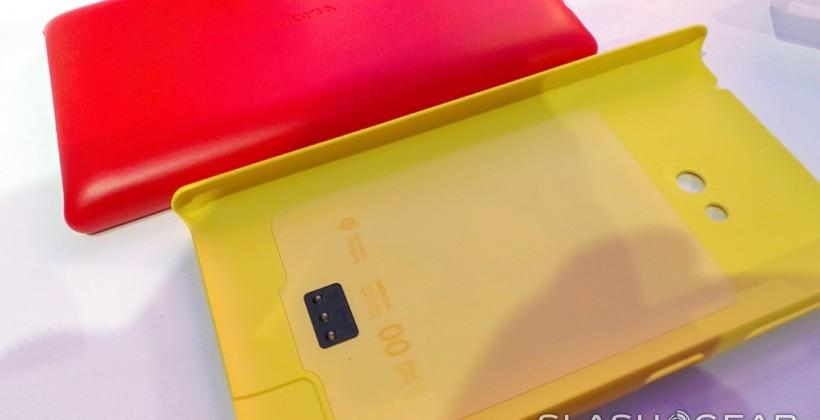 Nokia NFC Wireless Charging Car Holder hands-on with Lumia 720