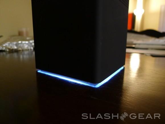 slashgear-0001