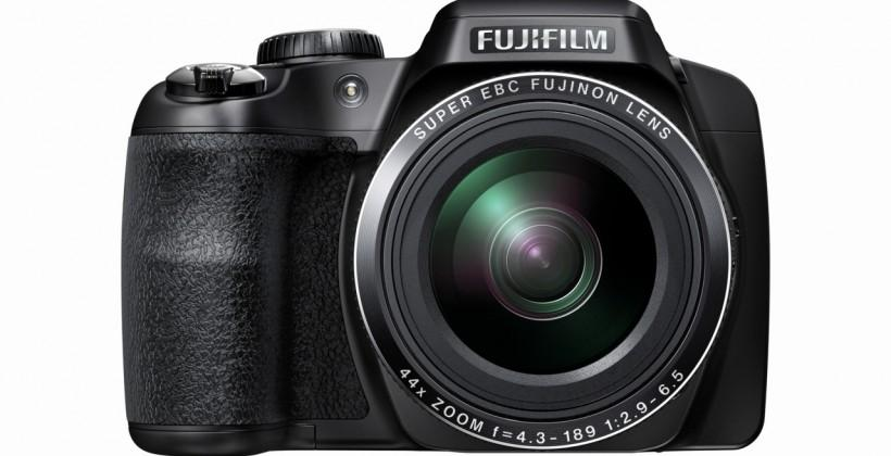 Fuji introduces FinePix S8400W with Wi-Fi