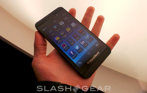 BlackBerry Z10 heads to AT&T on March 22 tips sources