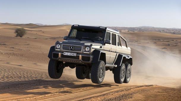 Mercedes-Benz G63 AMG 6×6 is a luxury 6-wheel drive beast