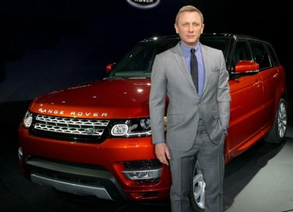 James Bond delivers the new 2014 Range Rover Sport