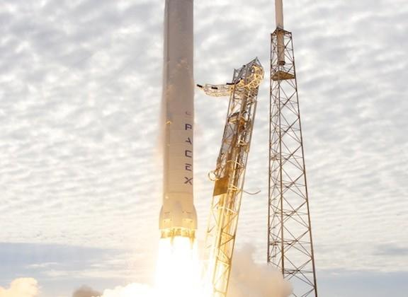 SpaceX Dragon to dock with International Space Station on Sunday