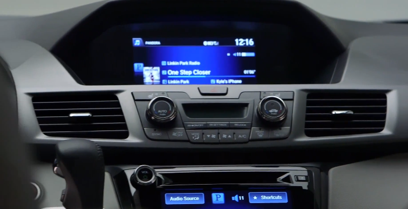 HondaLink infotainment ecosystem stays smart in 2014 Odyssey