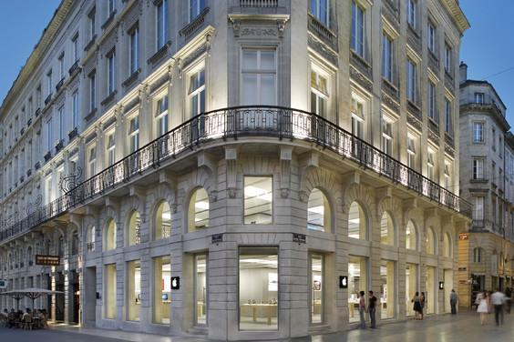 Apple Stores in France fined for forcing employees to work late