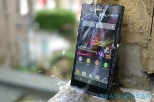 Sony uses supermodels to show off Xperia Z's waterproof feature