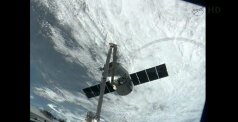 SpaceX Dragon successfully reaches ISS