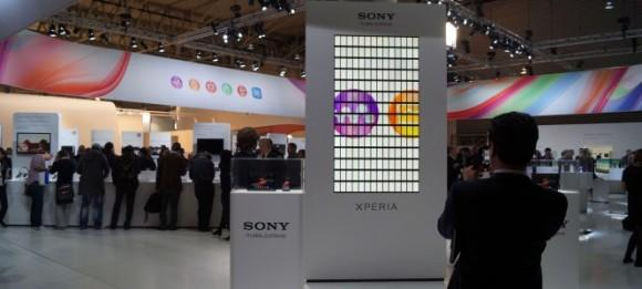 Sony Xperia Z grabs Largest Animated Mobile Phone Mosaic 2