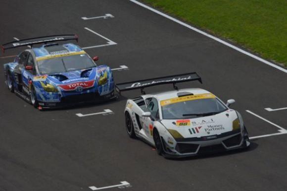 prius-race-2