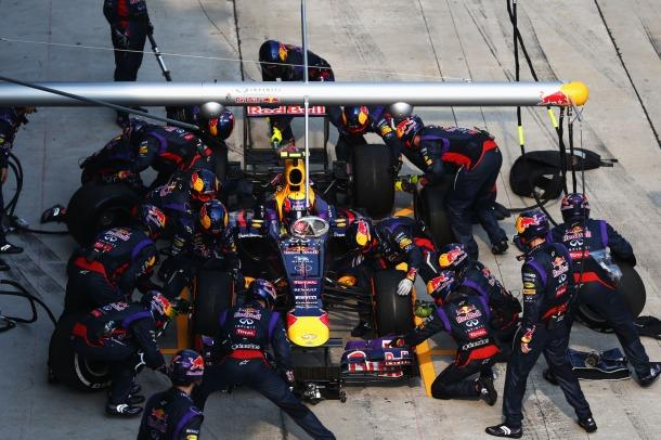 Formula One team breaks world record for fastest pit stop ever