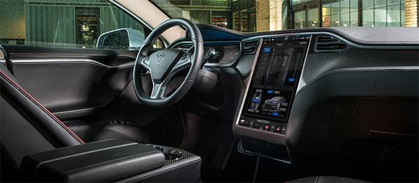 US safety regulators want voluntary limits on touchscreens in cars