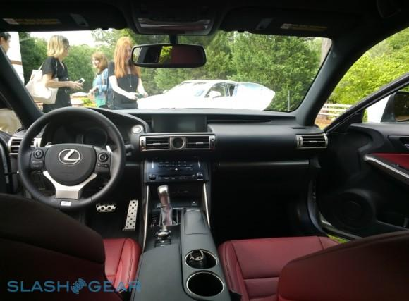 20130521_144417_306lexus-IS-sg