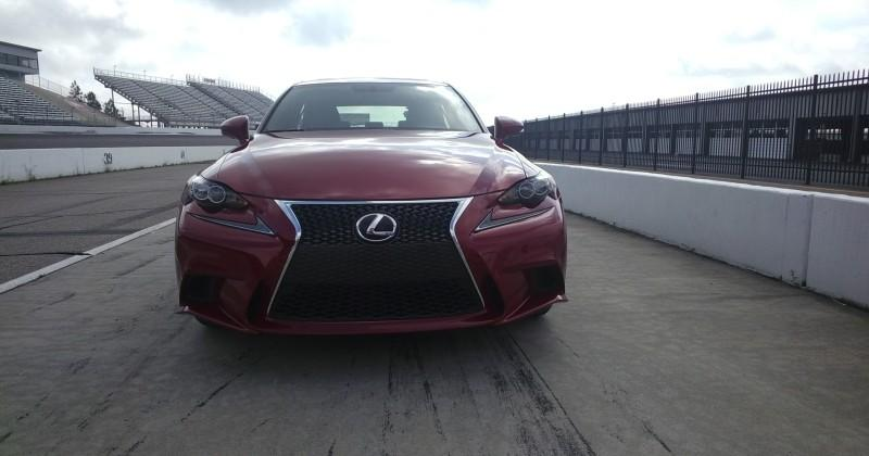 20130522_003358_287lexus-IS-sg