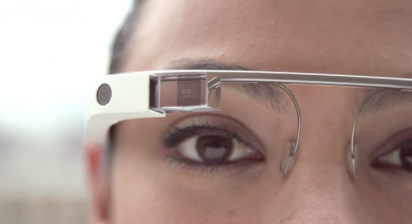 Google Glass to Facebook provides unofficial photo sharing