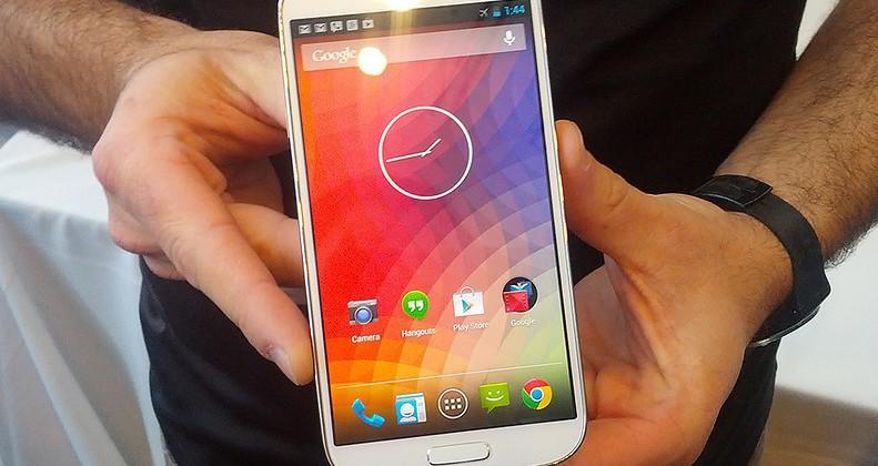 GALAXY S 4 Nexus edition eyes-on: Hugo Barra's got it