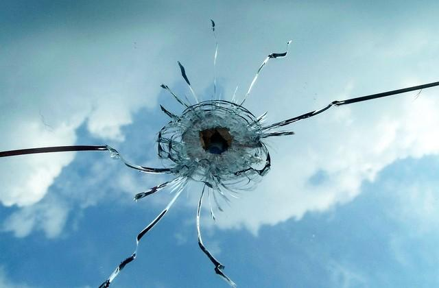Researchers discover correlation between bullet speed and number of cracks in glass