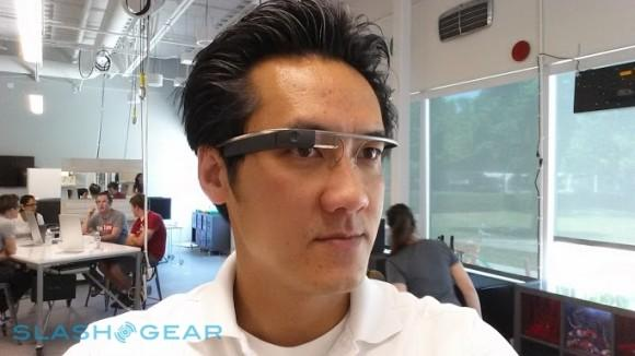 Google Glass getting apps for Facebook, Twitter, Evernote, CNN and more