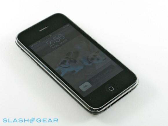 iPhone-3GS-SlashGear-01-r3media