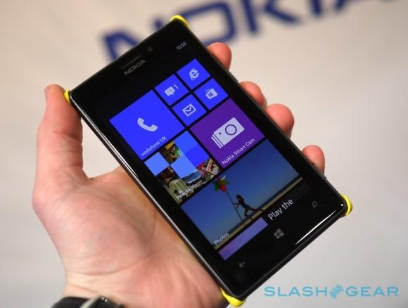 nokia_lumia_925_hands-on_sg_0