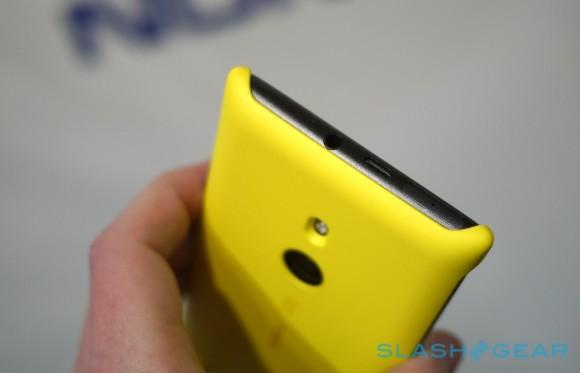 nokia_lumia_925_hands-on_sg_2