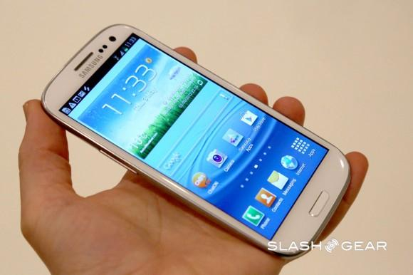 Samsung Galaxy S III Jelly Bean 4.2.2 update leaks with Galaxy S 4 features