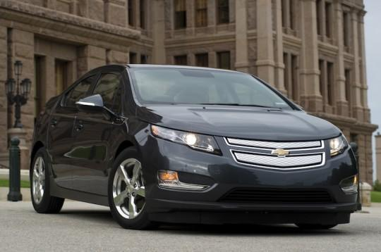 """Chevy Volt sales stall leaves inventory double """"healthy"""" levels"""