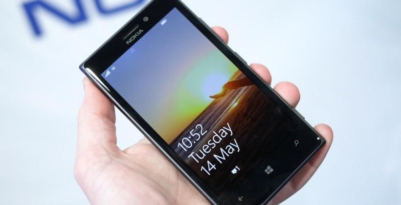 Nokia Lumia 925 hits stores with Glance Screen beta