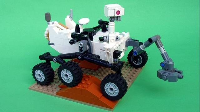Lego Mars Curiosity rover set official