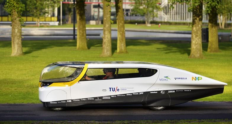 """""""Stella"""" is first solar-powered family car, will race in World Solar Challenge"""