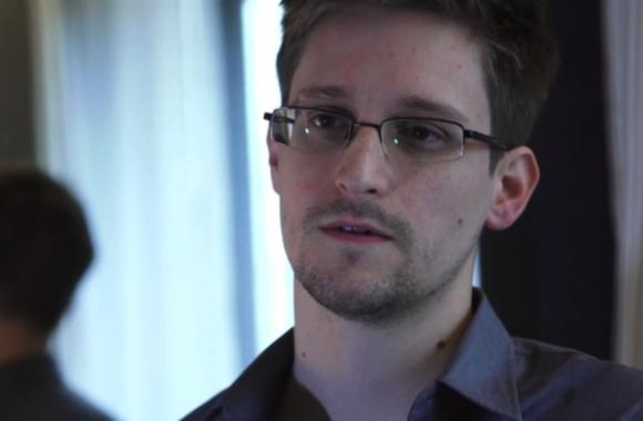 Edward Snowden blasts Obama as Russian asylum request withdrawn