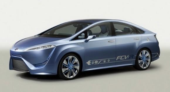 Toyota fuel-cell car in 2014 with 300 mile range and Tesla-competitive price