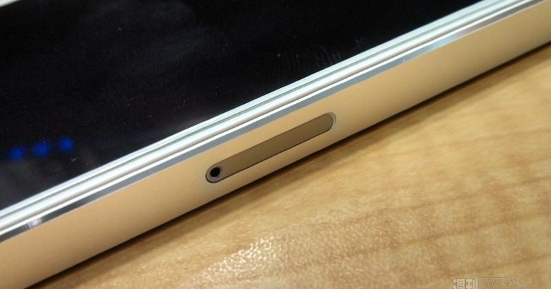 iPhone 5S Gunmetal parts appear in Japanese repair shop