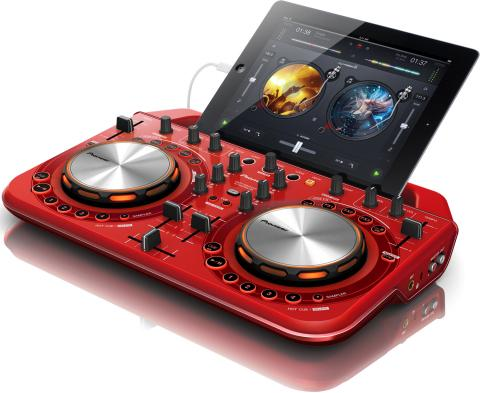 Pioneer DDJ-WeGo2 DJ controller aims at DJ noobs