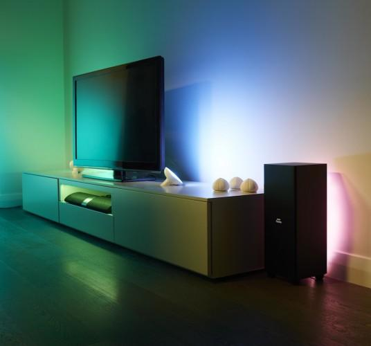 LivingColors and LightStrips TV_Lifestyle