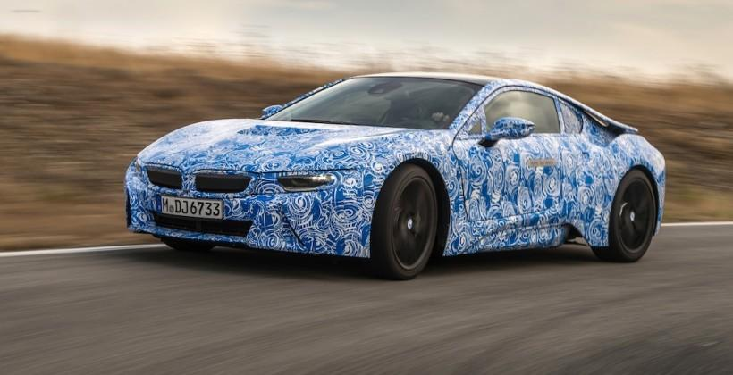 BMW i8 sports hybrid gets wild track outing
