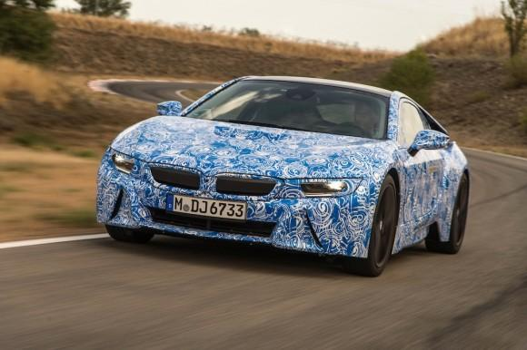 BMW i8 is first car ever to be fitted with Gorilla Glass