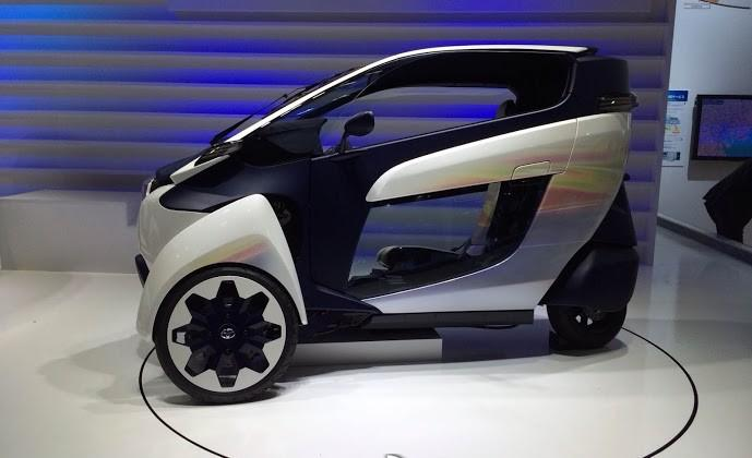 Toyota i-Road urban tandem two-seater vehicle specs detailed at CEATEC 2013