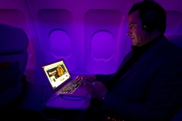 FAA reportedly okays use of electronics on planes during takeoff and landing