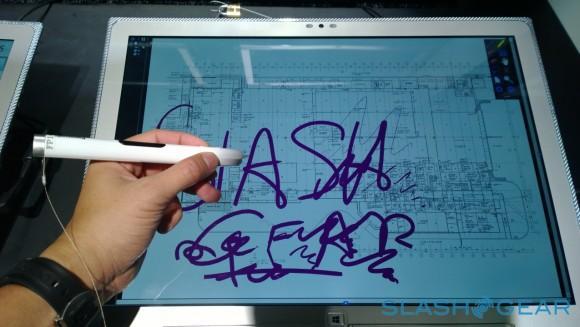 SlashGear 1020_20130905_07_16_11_Pro__highres-panasonic-4K-notebook