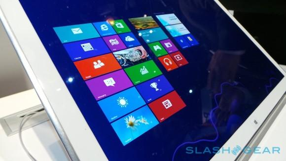 panasonic_20-inch_4k_tablet_hands-on_sg_5