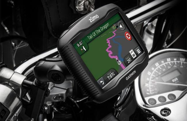 how to use voice navigation on motorbike