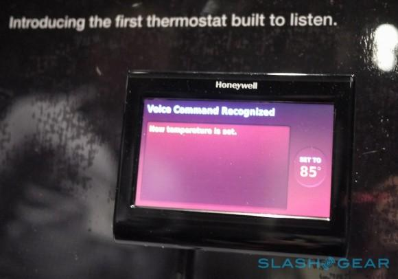honeywell_voice_thermostat_hands-on_sg_5