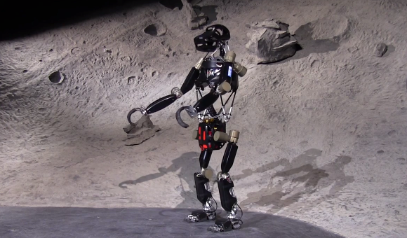 iStruct robot ape evolves upright as robo-spine research eyes space