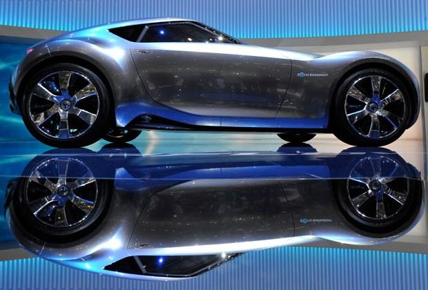 Nissan Z35 to possibly fulfill 2011 Esflow concept at Tokyo Motor Show