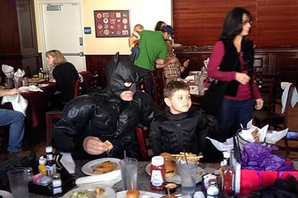 kgo-batkid-eating-lunch-111513-600