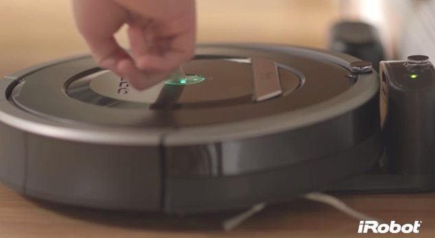 iRobot Roomba 800 Series vacuum introduced with AeroForce