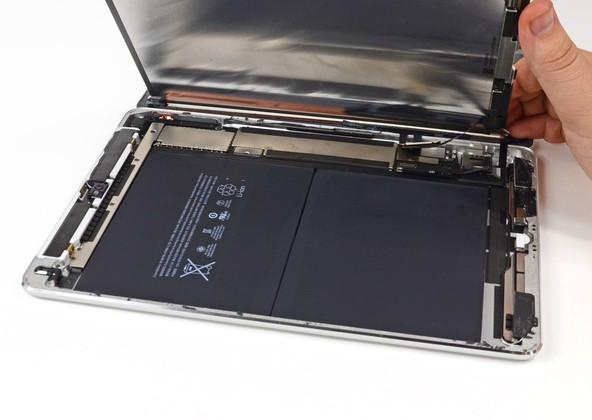 iPad Air iFixit teardown reveals Qualcomm, Broadcom, Toshiba inside